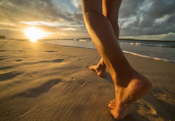 Andar descalzo: beneficios y otras cuestiones