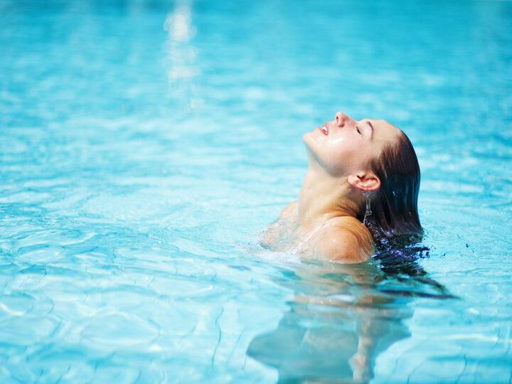 Los efectos del cloro en la piel, cabello y uñas